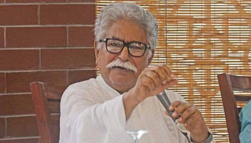 মইনুদ্দিন খান বাদল মারা গেছেন