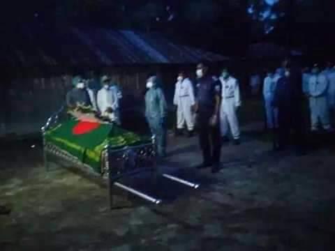 রাষ্ট্রীয় মর্যাদায় মুক্তিযোদ্বা আহসান উল্লাহ'র দাফন সম্পন্ন