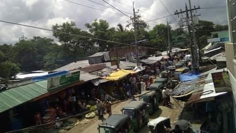 কাঁচাবাজারের দখলে প্রধান সডক, যানজটে নাকাল বাঁশখালীবাসী