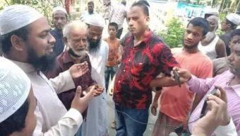 নোয়াখালীর এখলাসপুরে নির্যাতিতার পিতার সাথে সৌজন্য সাক্ষাৎ করেন ইশা'র কেন্দ্রীয় সভাপতি